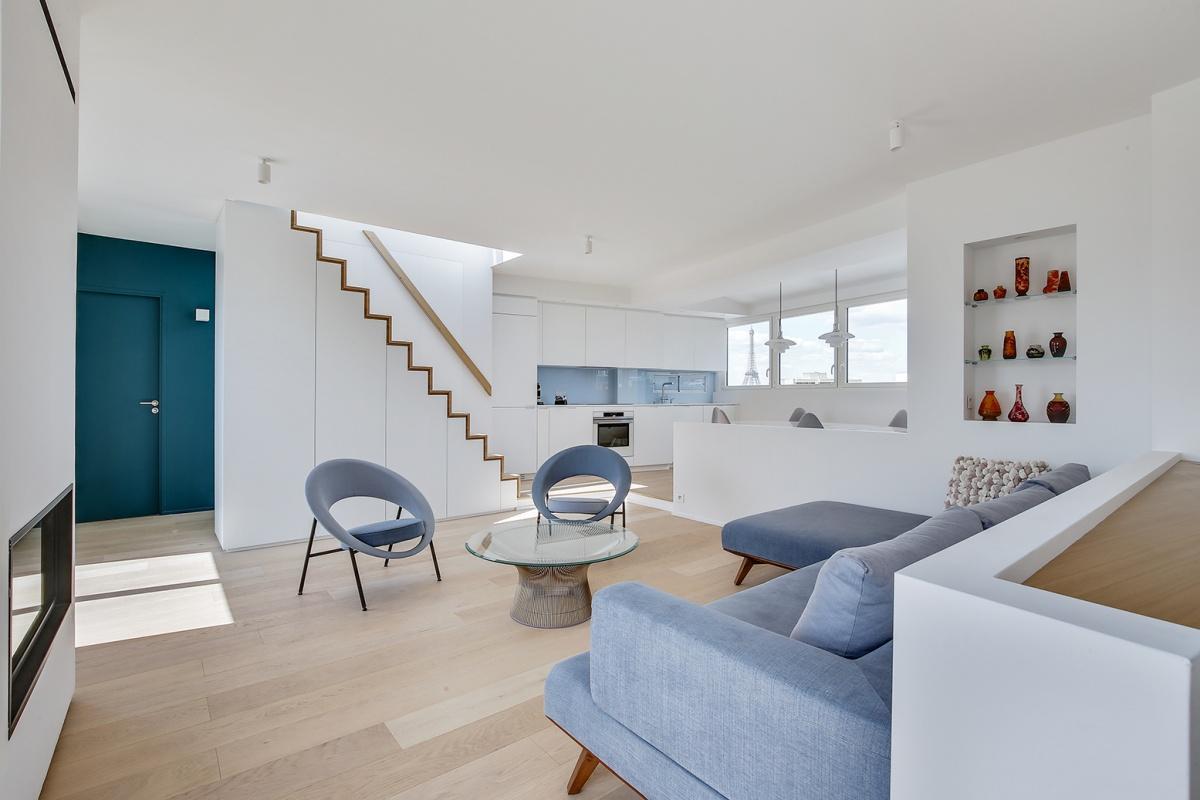 Réaménagement d'un appartement à Paris et création d'un rooftop : intérieur contemporain architecte
