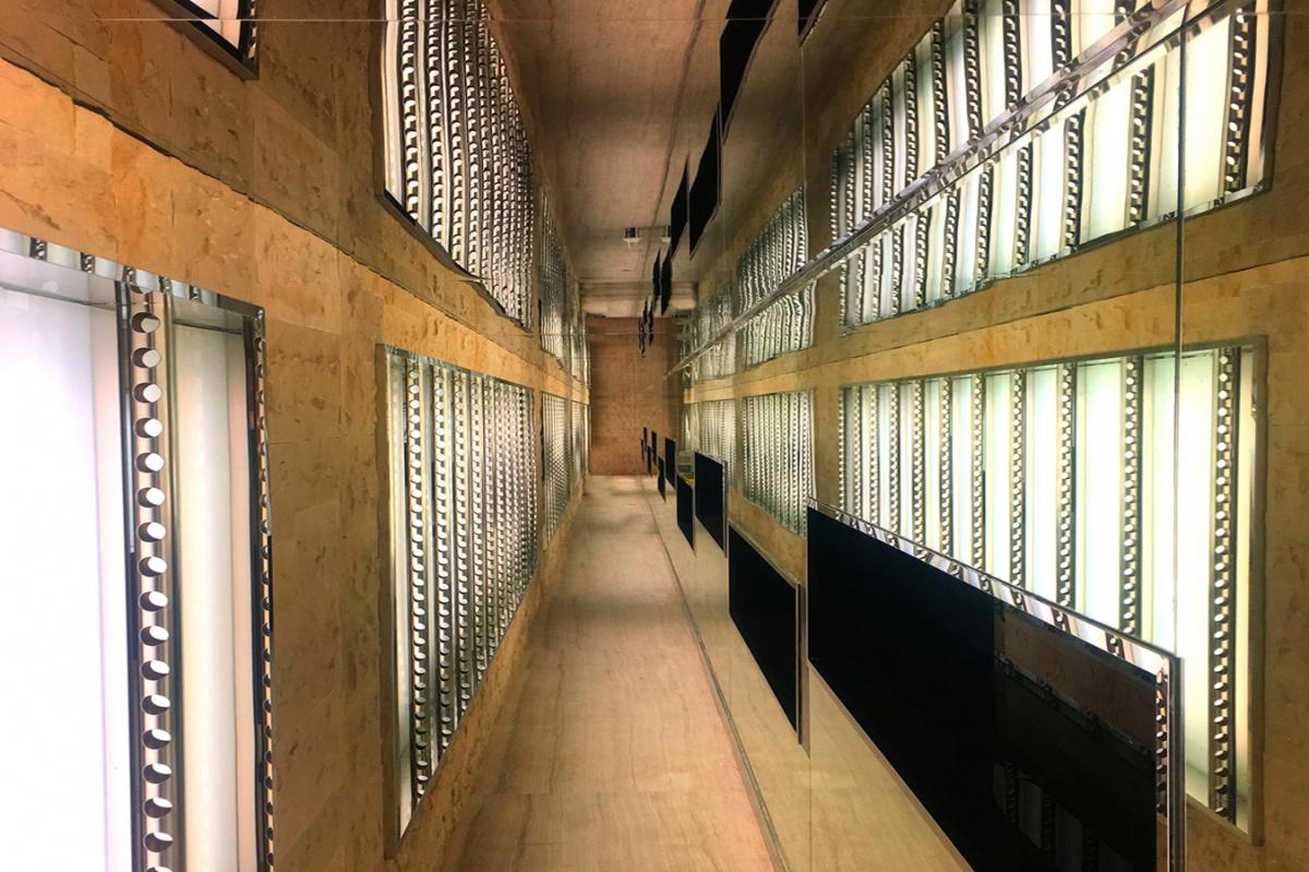 Couloir à vin : cave à vin