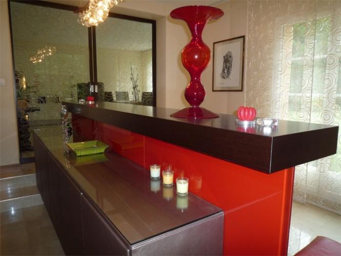 Agencement - Décoration maison à Jouy en Josas : Détail sur le bar