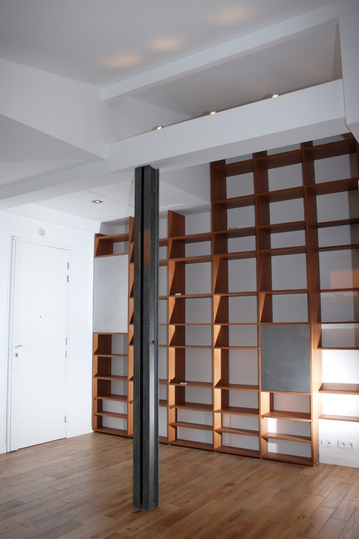 Appartement Place de l'Atelier : BIBLIOTHEQUE