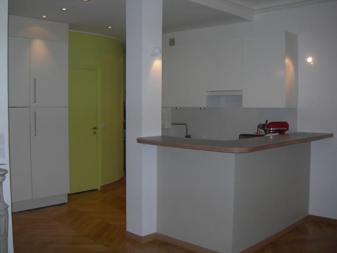 Appartement Rue Saint-Lazare : Cuisine vue 1