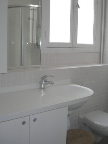 Appartement Rue Saint-Lazare : Salle d'eau 1