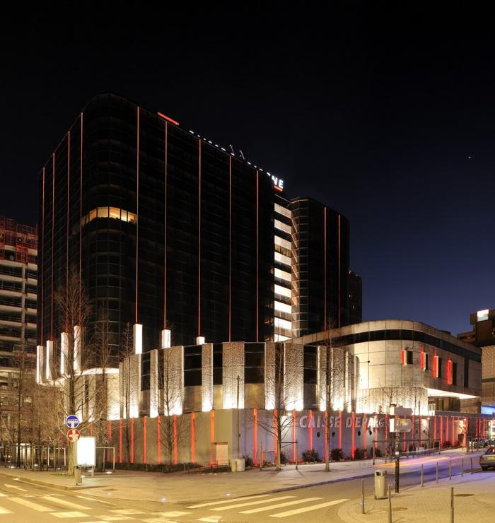 REHABILITATION TOUR Caisse d'Epagne Lyon part Dieu : Mise lumière fibre optiques et leds