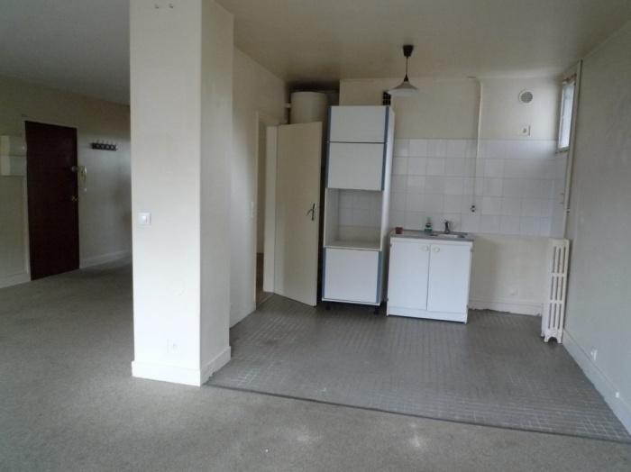 Rénovation complète et aménagement d'un appartement 70 : photos avant