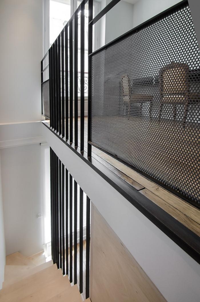Appartement PE : Détail de l'escalier - 2